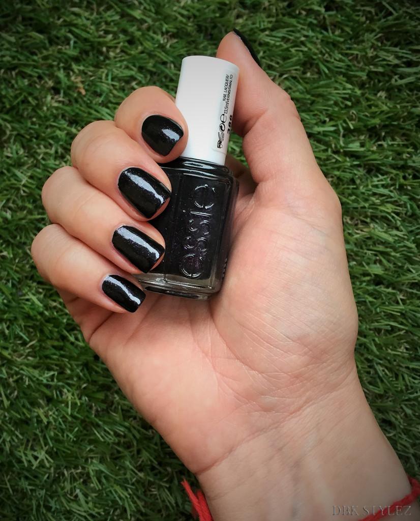 Essie dark