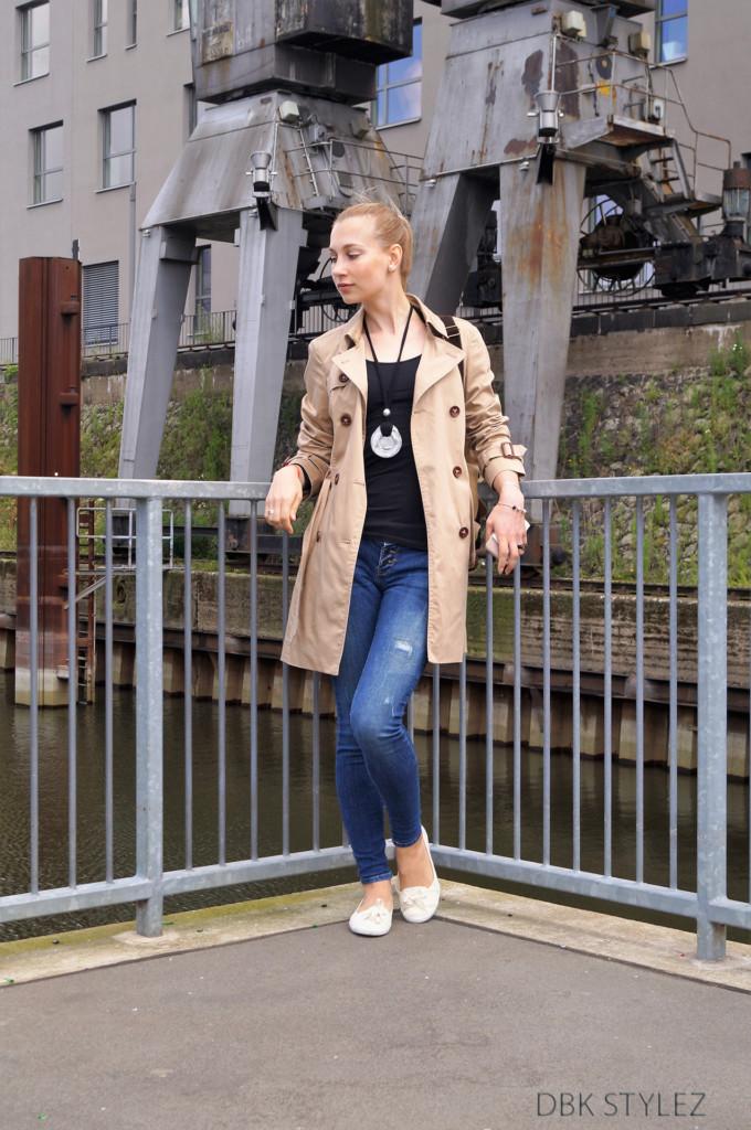 Trenchcoat Esprit Klerovski Outfit 5