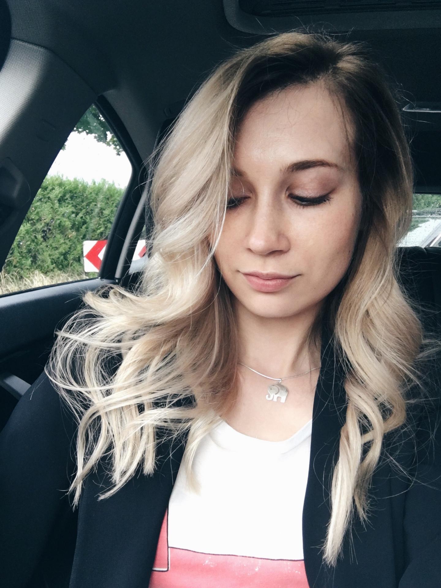 balayage_blond_lifestyle_model_hübsche_beautiful_russian