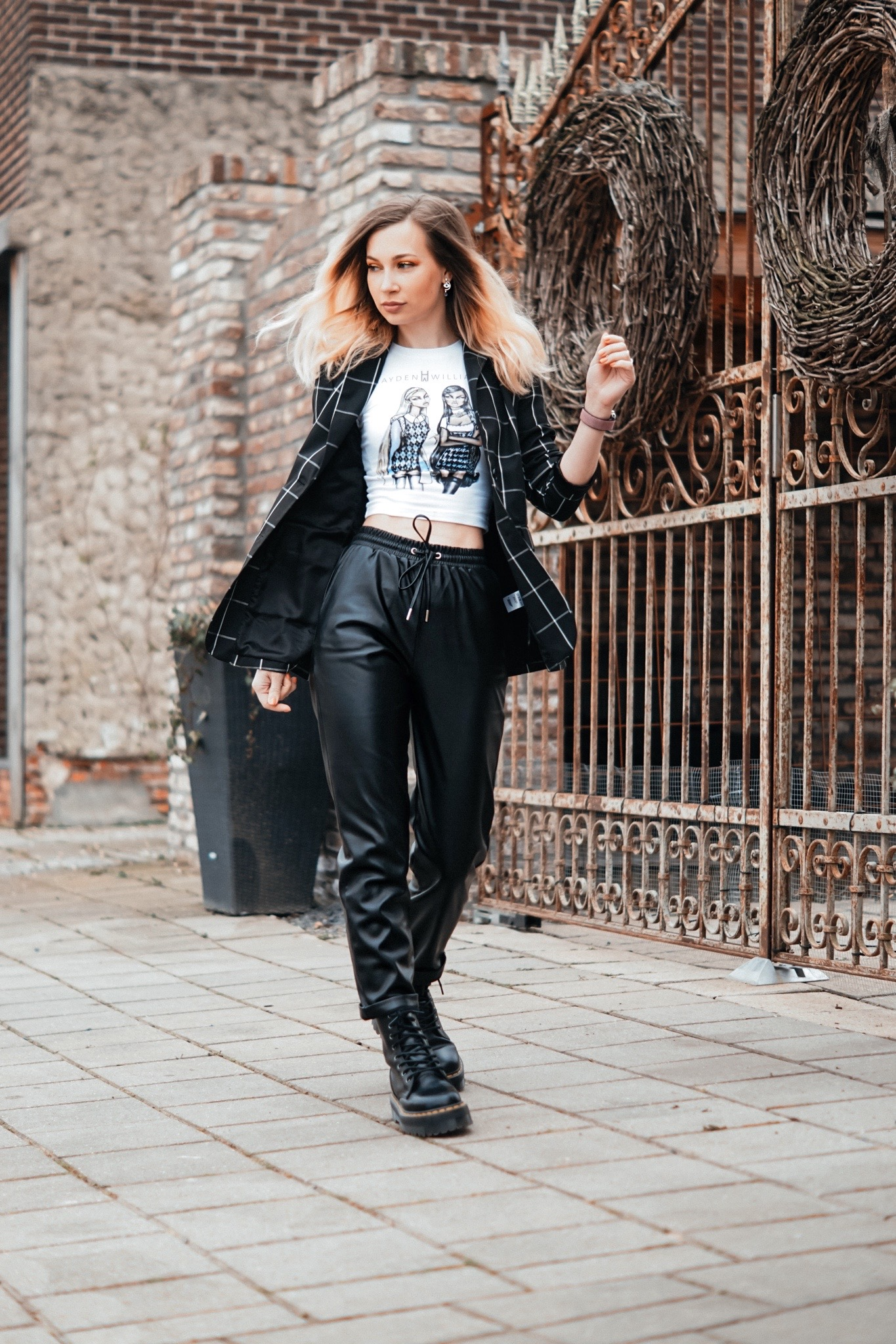 dbkstylez_leather_pants_jogging_pnats_streetstyle_plaid_dr.martens_jadon