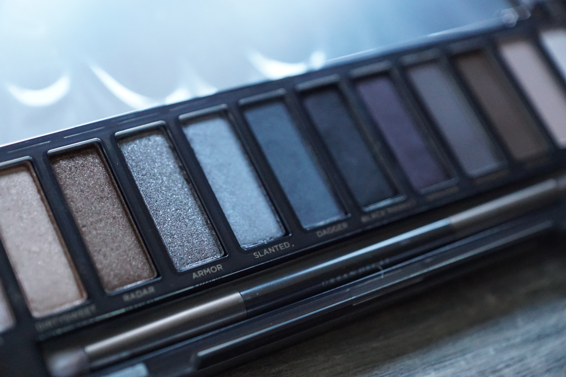 naked_smokey_dbkstylez_best_eyeshadow